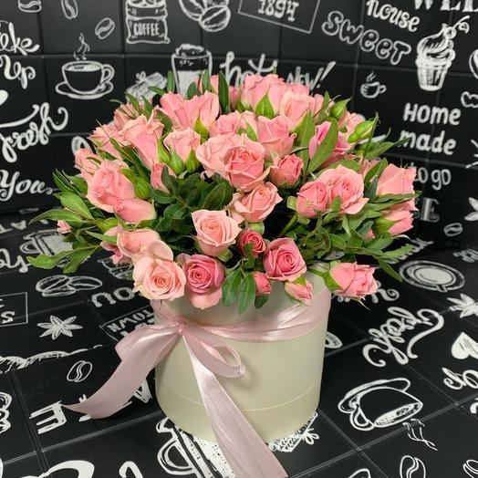 Коробочка с розовыми кустовыми розами