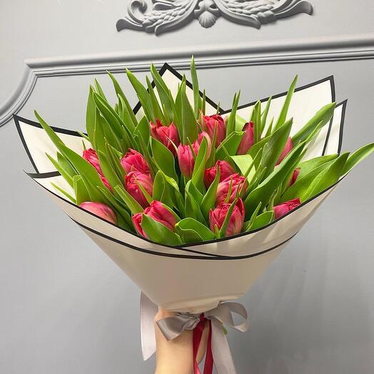 Шикарный букет премиум тюльпанов