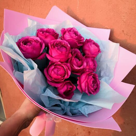 3 пионовидных розы