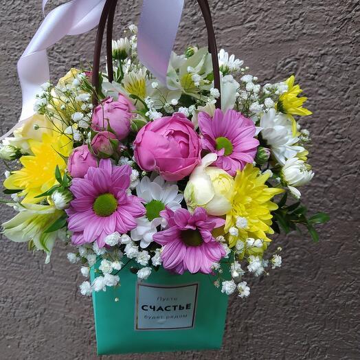 """Цветы в коробке """"Пусть счастье будет рядом"""""""