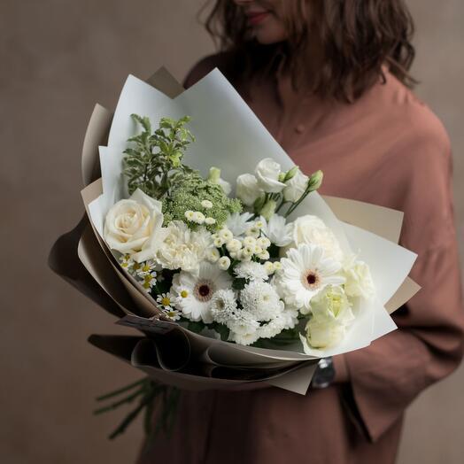 Нежный букет цветов «Danilow.Green»