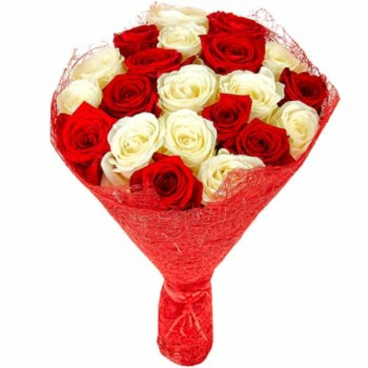 Контрастный букет из 21 розы: букеты цветов на заказ Flowwow