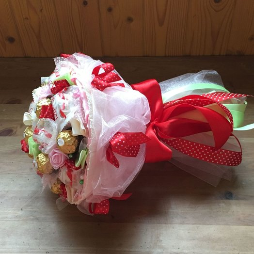 Букет из конфет Весенний : букеты цветов на заказ Flowwow