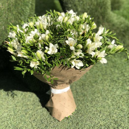Аромат фрезии: букеты цветов на заказ Flowwow