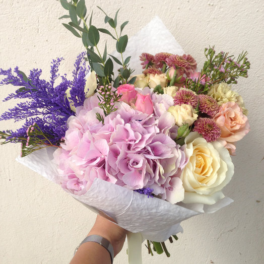 Светлые оттенки: букеты цветов на заказ Flowwow