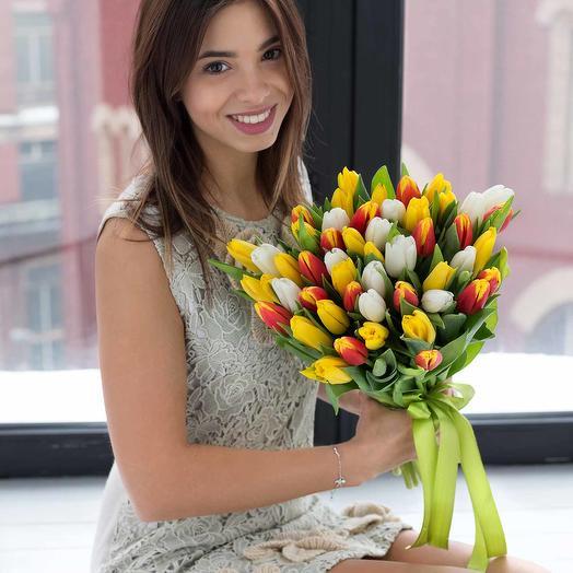 Букет из 31 разноцветного тюльпана: букеты цветов на заказ Flowwow