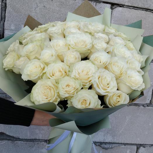 Шикарный букет из 51 розы: букеты цветов на заказ Flowwow