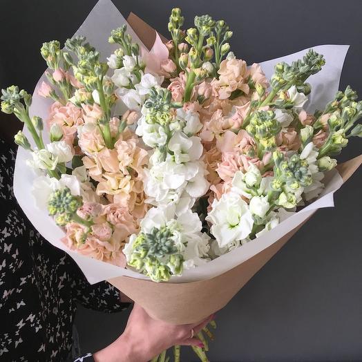 Букет из матиолы: букеты цветов на заказ Flowwow