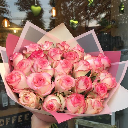 Розовая роза: букеты цветов на заказ Flowwow