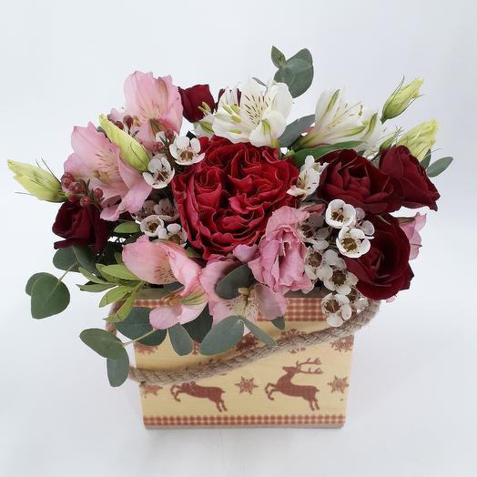 Цветочная композиция с пионовидной розой: букеты цветов на заказ Flowwow