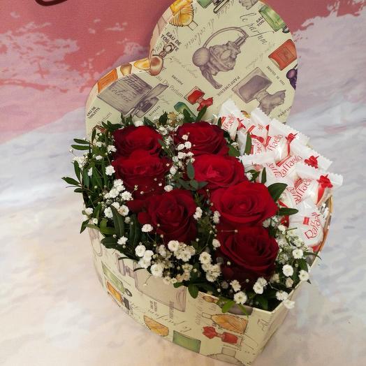 Коробка сердце с цветами: букеты цветов на заказ Flowwow