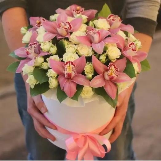 Цветочная композиция с орхидеями: букеты цветов на заказ Flowwow