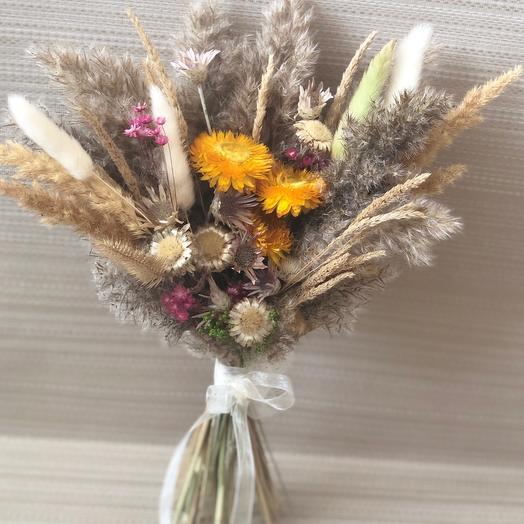 Букетик сухоцветов натуральных оттенков