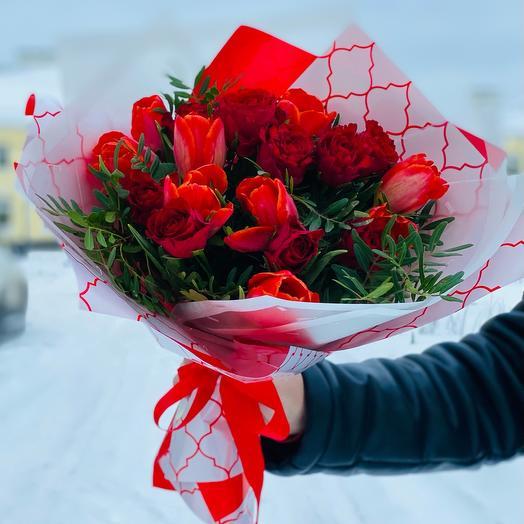 Букет «Розы и тюльпаны»