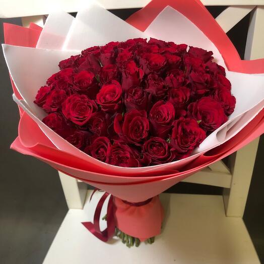 51 бордовая роза