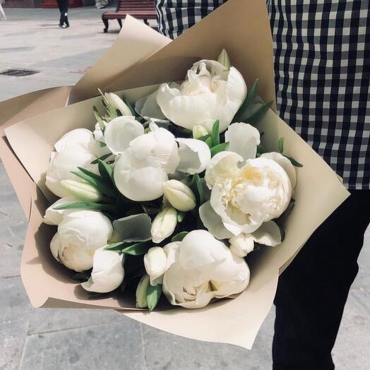 Букет «Пломбир» с Пионами и тюльпанами