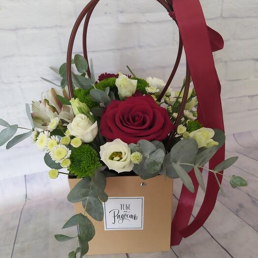Цветы в плайм-пакете