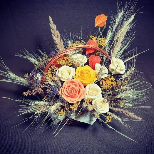 """Композиция из мыльных роз и сухоцветов""""Яркая осень"""""""