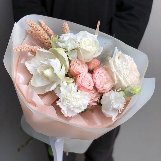 Нежный букетик цветов «Muntuane»
