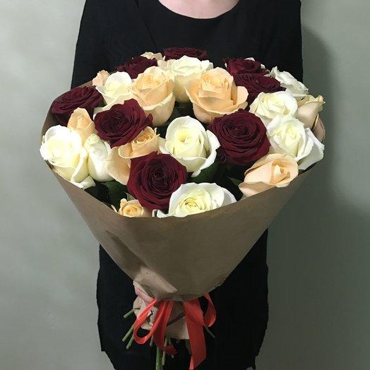 Букет из 27 роз трех цветов