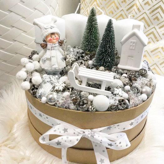 Шляпная коробка «Подарок на рождество»: букеты цветов на заказ Flowwow