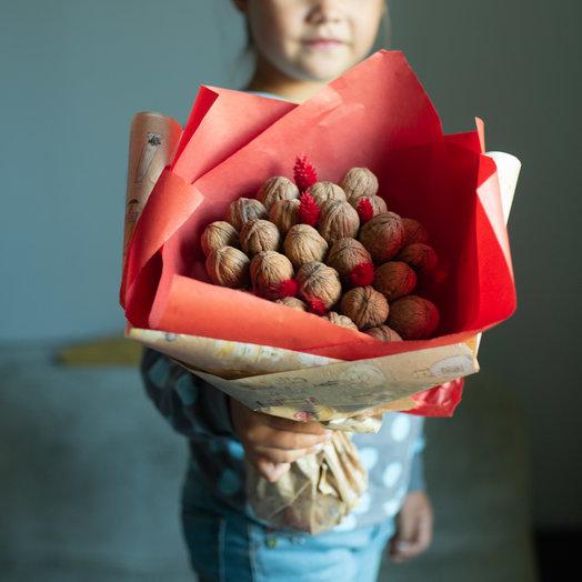 """""""Ореховый букетик в алом"""": букеты цветов на заказ Flowwow"""