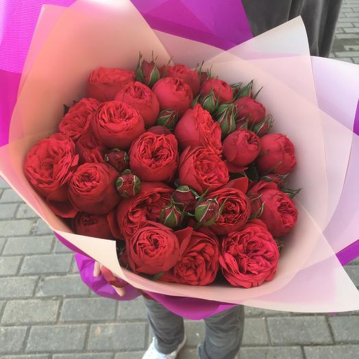 Роскошный букет из пионовидных роз