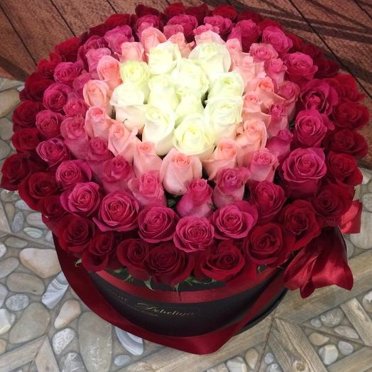 101 роза премиум в черной шляпной коробке: букеты цветов на заказ Flowwow