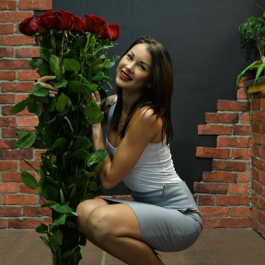 35 роз высотой 100 см в букете с лентой: букеты цветов на заказ Flowwow
