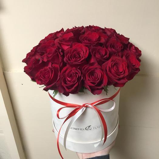 Элитные эквадорские розы в бархатной коробке: букеты цветов на заказ Flowwow