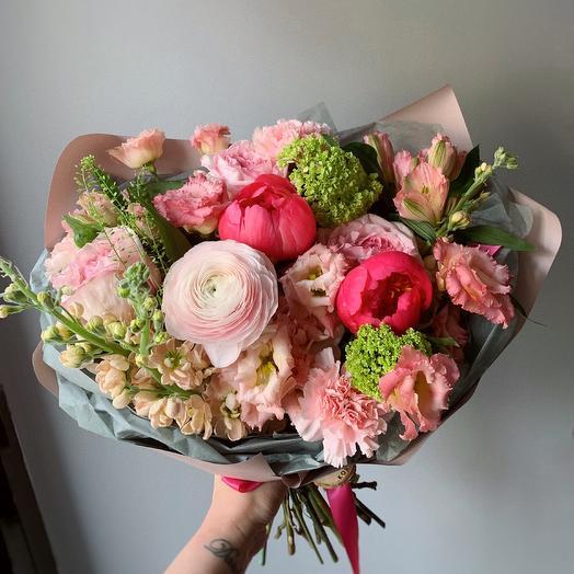 Яркий букет с пионами: букеты цветов на заказ Flowwow