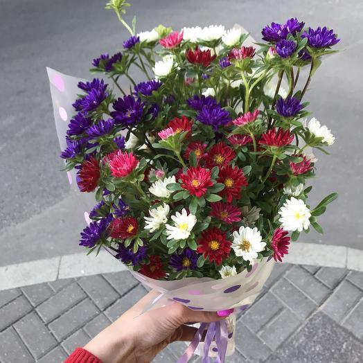 Яркие астры для Вашей красавицы: букеты цветов на заказ Flowwow
