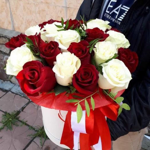 Коробочка роз: букеты цветов на заказ Flowwow