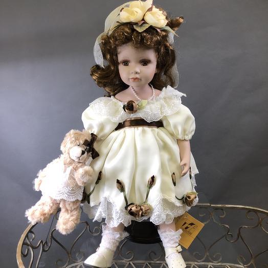 Кукла из фарфора коллекционная: букеты цветов на заказ Flowwow