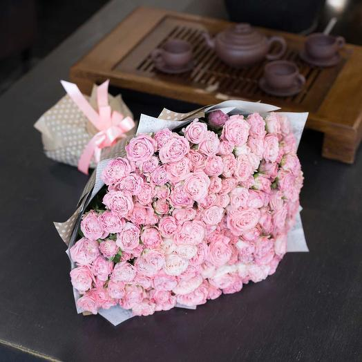 Кустовая пионовидная Роза Мадам Бомбастик 51 шт