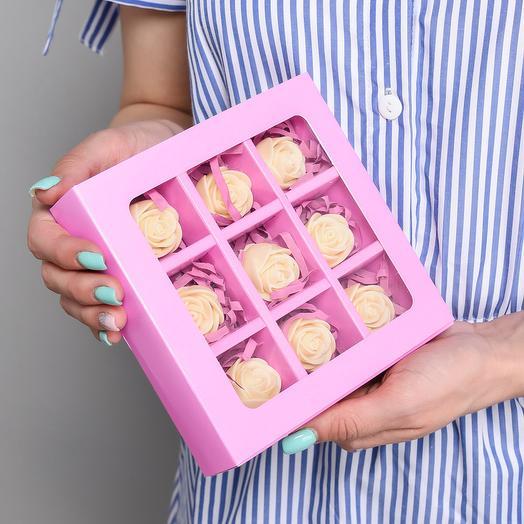 Мини-коробочка с 9 шоколадными розами M9-C-B