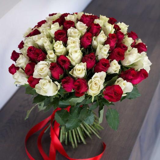 Букет из 101 красной и белой розы