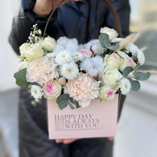 Цветы в коробке «Нежного дня»