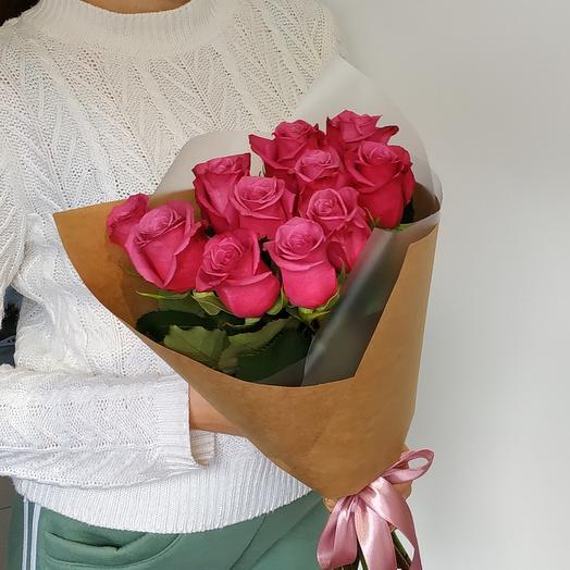 11 роз в крафт бумаге
