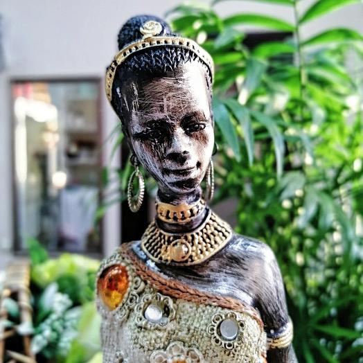 Интерьерная статуэтка эфиопка