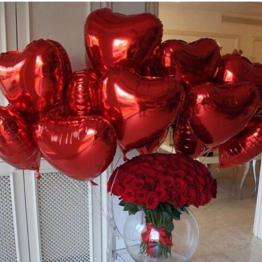 Букет роз и фольгированные шары