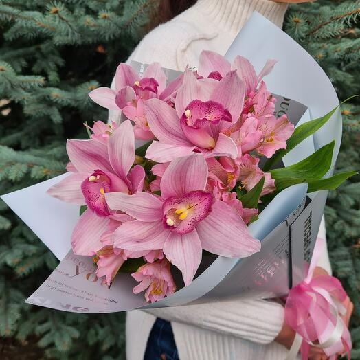 """Букет из розовых орхидей и альстромерий """"Шахеризада"""""""