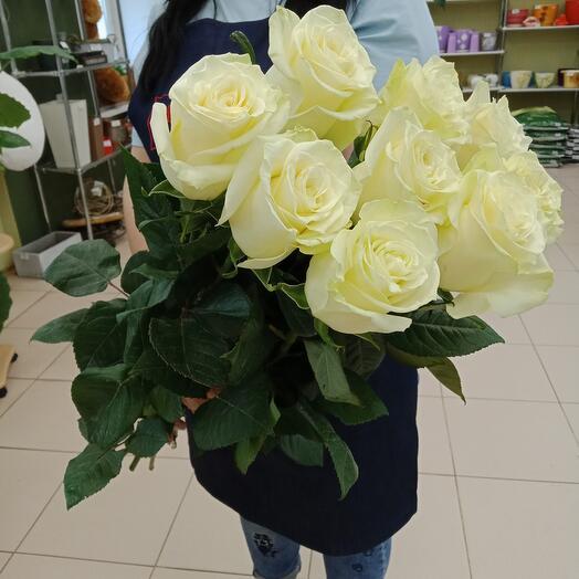 Девять белых роз