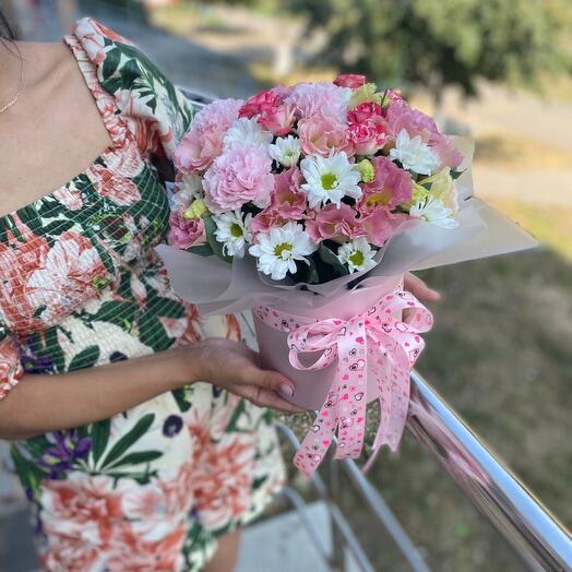 Цветы в коробке «Радость»