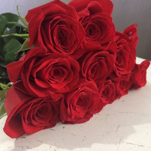 11 красных роз 50 см