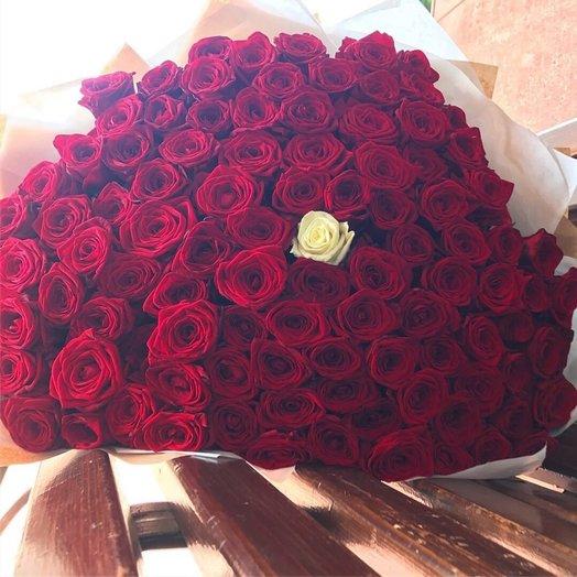 101 роза Страсти: букеты цветов на заказ Flowwow