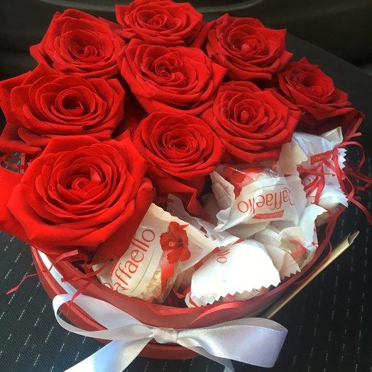 """Коробочка для близкого человека """"Поцелуй"""": букеты цветов на заказ Flowwow"""