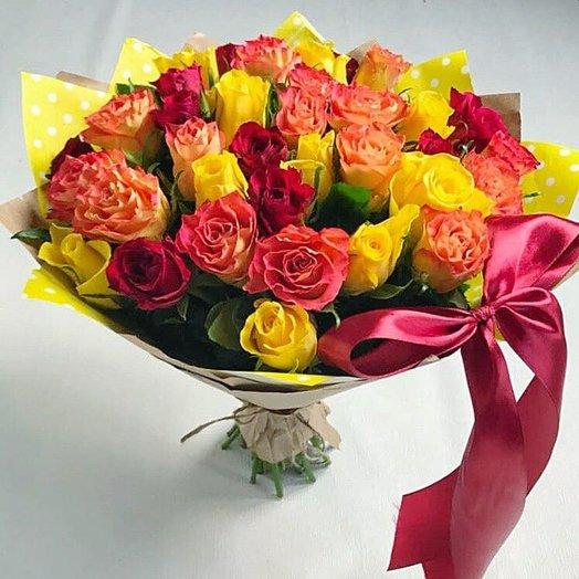 Букет из 31 розы микс: букеты цветов на заказ Flowwow