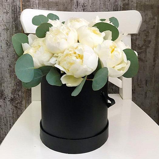 Пионы в черной коробке: букеты цветов на заказ Flowwow