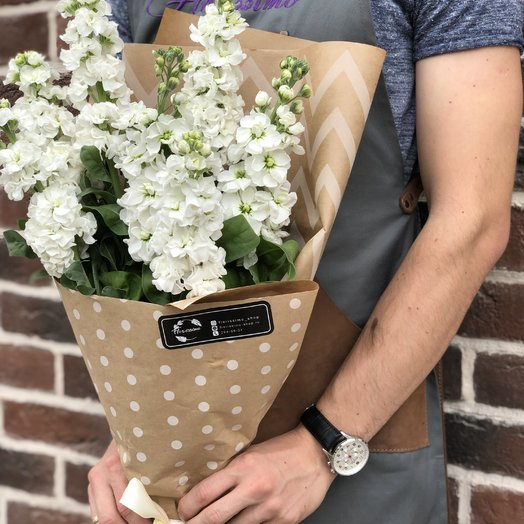 Букет из маттиол: букеты цветов на заказ Flowwow